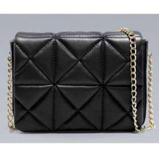 PO Closed - Black Quilted Sling