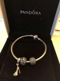 🚚 新降價Pandora 16cm硬環 +兩顆珠子+高跟鞋墜飾