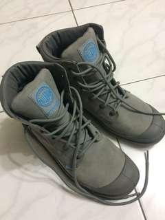 🚚 Palladium灰色防水靴