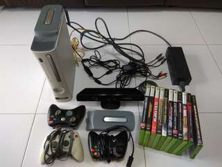 XBox 360 Complete set + Kinect + 3 Controllers + Hard disk + 11 Games