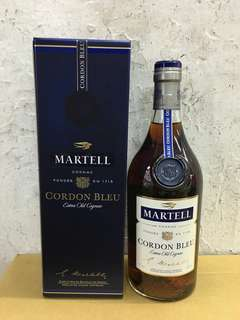 藍帶 MARTELL  700ml
