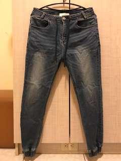 🚚 FIFTY PERCENT 縮口牛仔褲