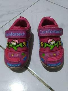 Sepatu comfortech size 17