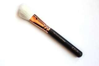 Zoeva 127 Luxe Cheek Brush