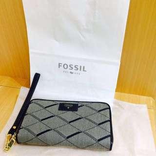 🚚 全新Fossil女用質感皮夾,可放4.7寸手機 附禮物袋貼紙提袋
