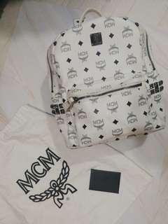 【4折】白色MCM Backpack Medium 有塵袋保養咭