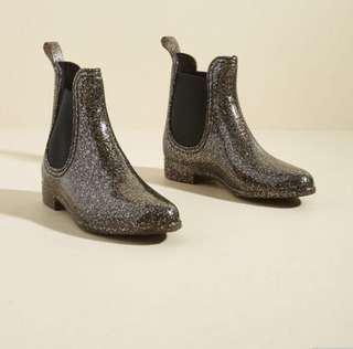 Report - Glitz Raining, Glitz Pouring Rain Boot in Glitter in 7