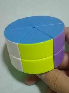 Circular Rubik's Cube [Rubik's Cheese] 2x2x2