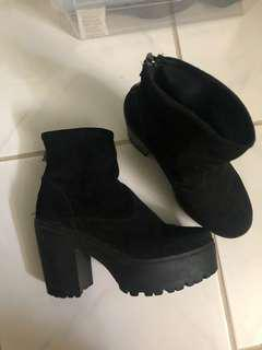 Shelly's Zip Up Boots