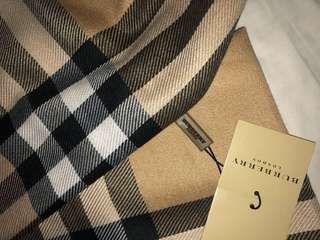 Burberry wrap scarf