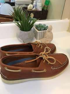 Sperrys, classic size 8.5. All leather, clean. Padded on inside