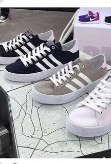 🚚 Adidas court vantage