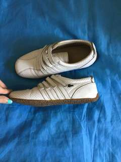 Authentic Lacoste white shoes size US 5