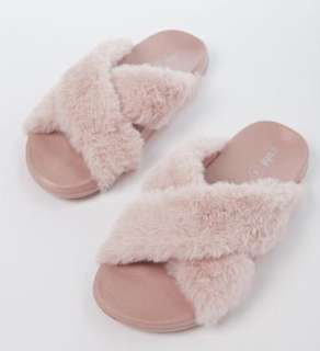 NEW Size 9 RUBY Slippers! Fluffy & Gorgeous!