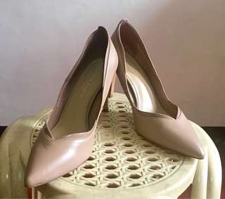 Pre loved Charles and Keith pumps