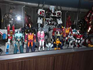Transformers Masterpiece - Metroplex(Utopia), Optimus Prime, Starscream(Meteor), soundwave, ratchet, rumble and frenzy, sideswipe, sunstreaker, bumblebee, megatron, optimus primal except kup and arcee