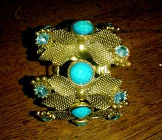 Aqua blue pearl bracelet