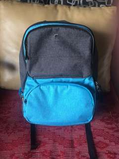 QuickSilver Bagpack w/ laptop compartment