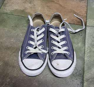 Navy converse chuck taylors kids 12c shoes