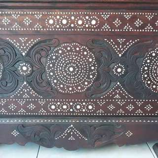 Baul with mother of Pearl inlays