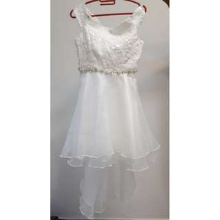 Pre-loved Off-shoulder ROM Dress (suitable for pre-wed photography/event) Lace & Tulle details which can match with various Hairdo