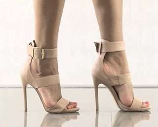 Steve Madden nude leather heels size 5.5