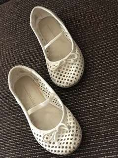 Zara white shoes for 2-3yrsold