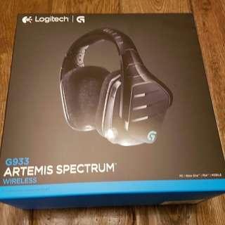 Logitech G933 Artemis Spectrum RGB Wireless 7.1 Surround Sound