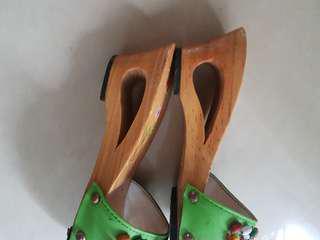 Kids wooden heels