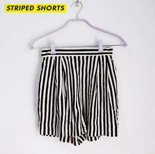 H&M STRIPED SHORTS