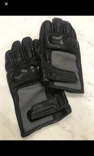 (Price further slashed) Authentic BMW Airflow Gloves Size M