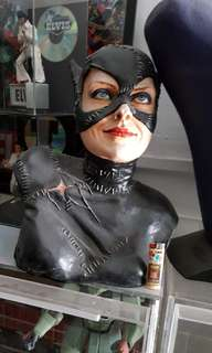 Catwoman bust statue (recast)