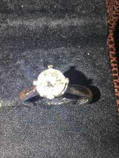 鑽石戒指(六福)