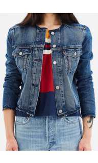 LEVI'S cropped seamed trucker denim jacket