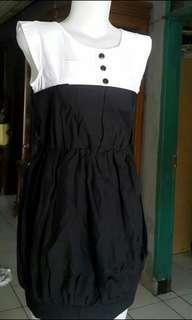 Dress monocrome