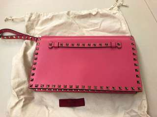 Authentic Valentino rockstud clutch in pink