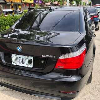 2008年寶馬528I黑