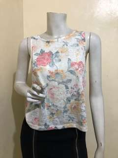 PULL & BEAR FLORAL SLEEVELESS TOP