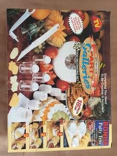 Food decoration set