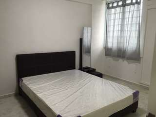Tampines Room for rent - walk to MRT