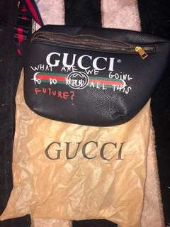 Gucci strap bag