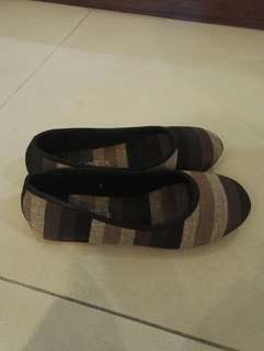Girl brown flat