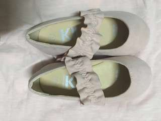COTTON ON KIDS PUMP SHOE