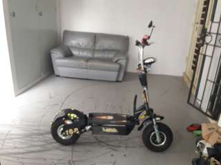 Rhino scooter 60v 28ah lithium when brake got police light behind AND USING ULTRON MONSTER BATTERY and come with sit and charger and side mirror if u wamt a new controler i have but u need to top up and already Cheap!!!