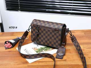 L-v Recruit Crossbody Bag..... Kode H701#