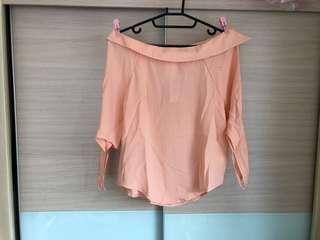🚚 🌟特價。全新粉橘色綁帶袖雪紡上衣