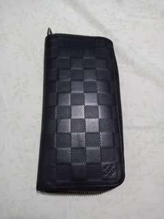 Authentic LV Damier Infini Zippy Wallet Onyx