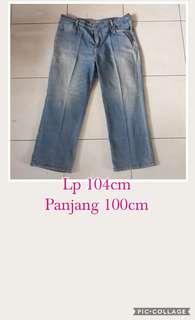 Celana jeans cowo jumbo