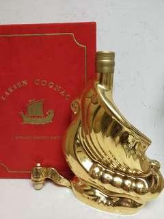 Larsen Cognac 帆船陶瓷金樽 500ml