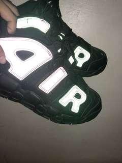 🚚 NIKE AIR MORE UPTEMPO SE 黑色反光大童女鞋鞋